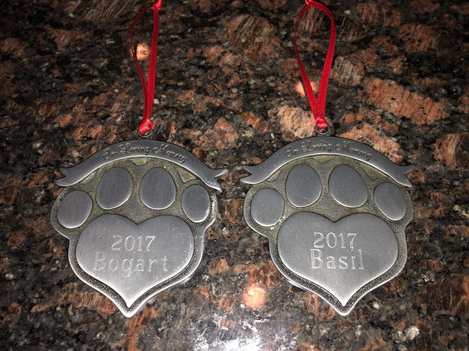 The Stewart family ornaments honoring their dogs.
